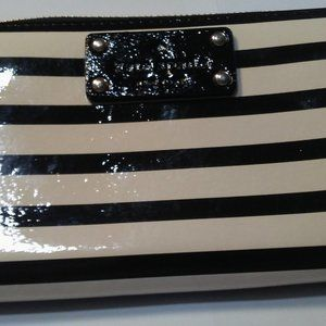 KATE SPADE Patent Leather black and cream stripe